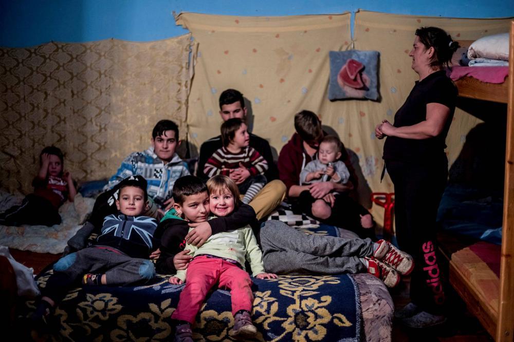 Minden jót kívánt Orbán Viktor a kilakoltatás előtt álló, kilencgyerekes családnak