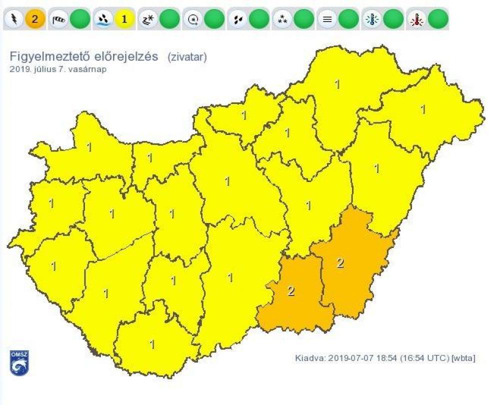 Az OMSZ vasárnapi veszélyjelzése: sárga szín jelzi a felhőszakadást, narancssárga a viharos széllel kísért zivatart