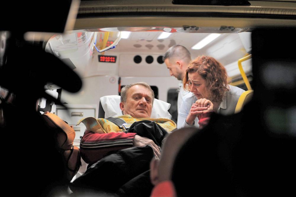 Az eset után Varjut mentő vitte el
