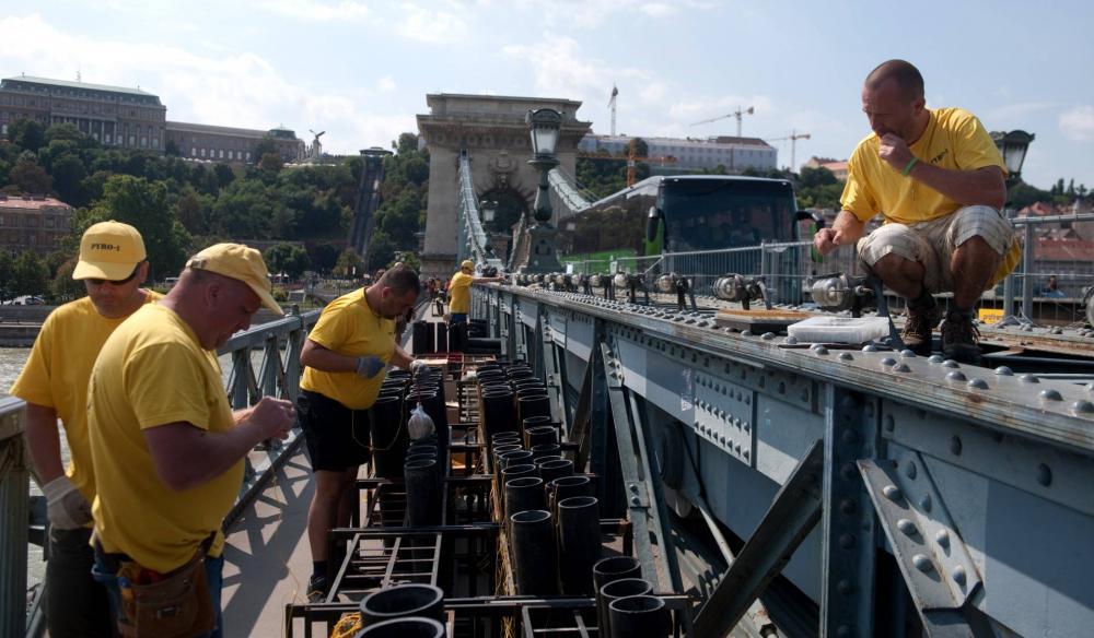 2016-ban még a hídra is telepítettek tűzijátékot