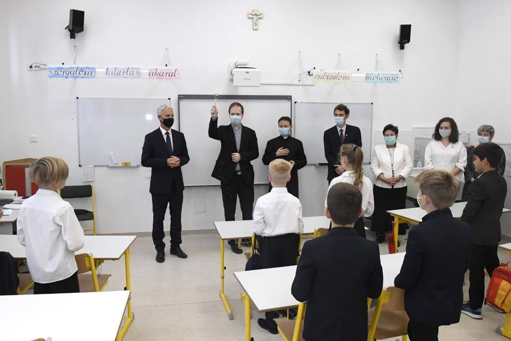 Az I. kerületi Szent Gellért iskolát 1,27 milliárdból újították meg