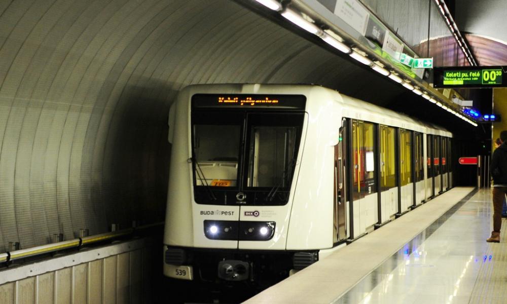 Népszava 2-es metró
