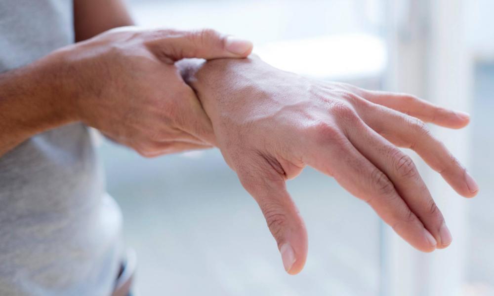 a kéz ízületei megsérülnek a hidegtől vállízület osteoarthrosis 3 fokos kezelése