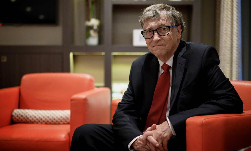 Bill Gates könyveket ajánl
