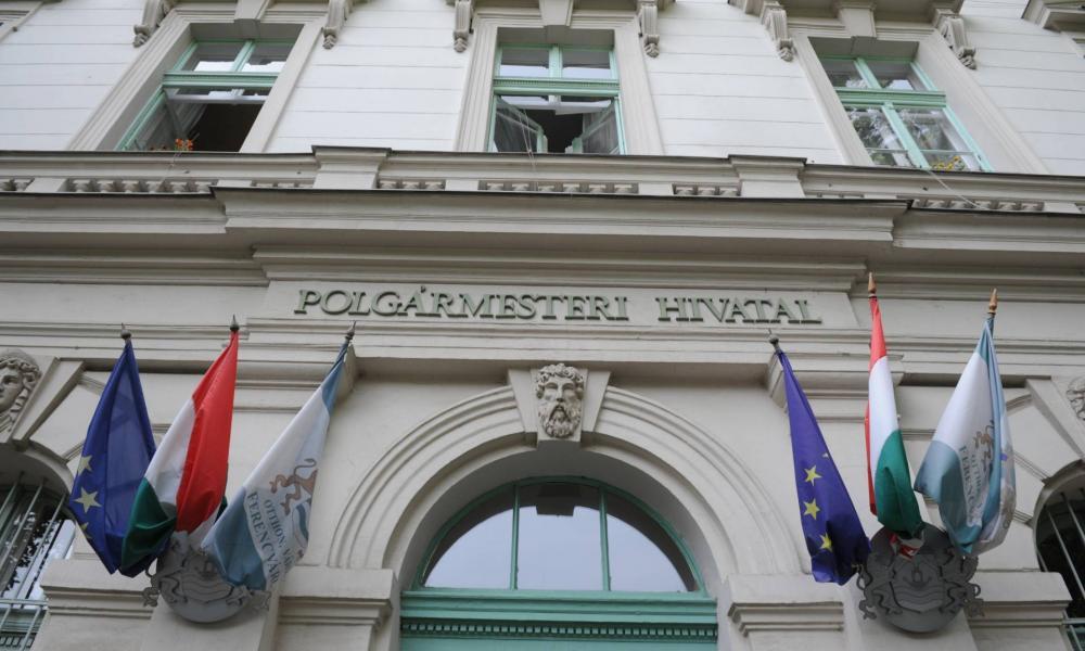 Ferencváros polgármestere visszautasítja az antiszemita vádakat