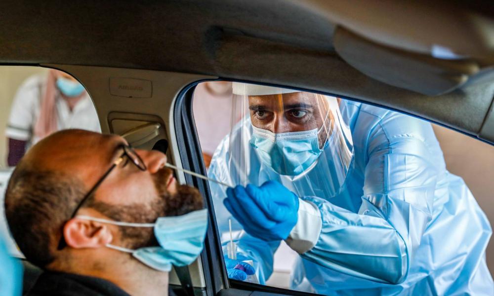 Először emelkedett tízezer fölé az egy nap alatt regisztrált fertőzöttek száma Izraelben