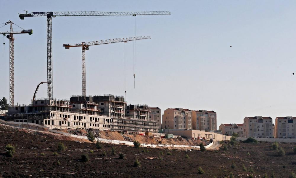 Jól lavíroz a tűz-víz koalíció Izraelben