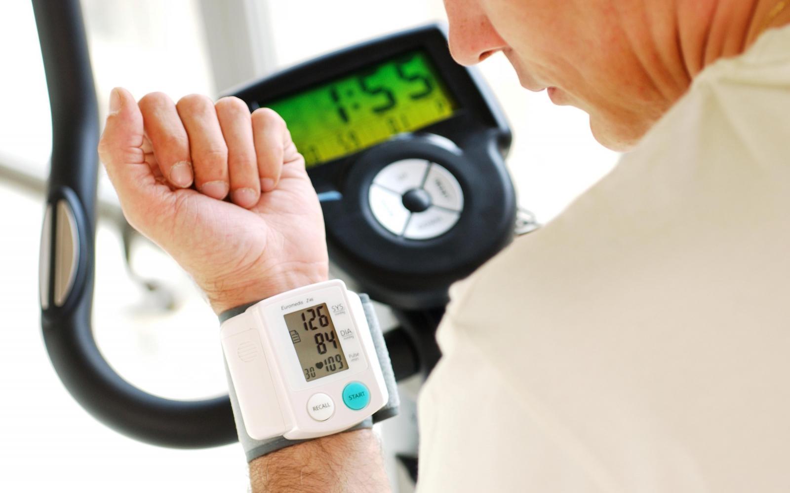 magas vérnyomás 30 éves korban mit kell tenni