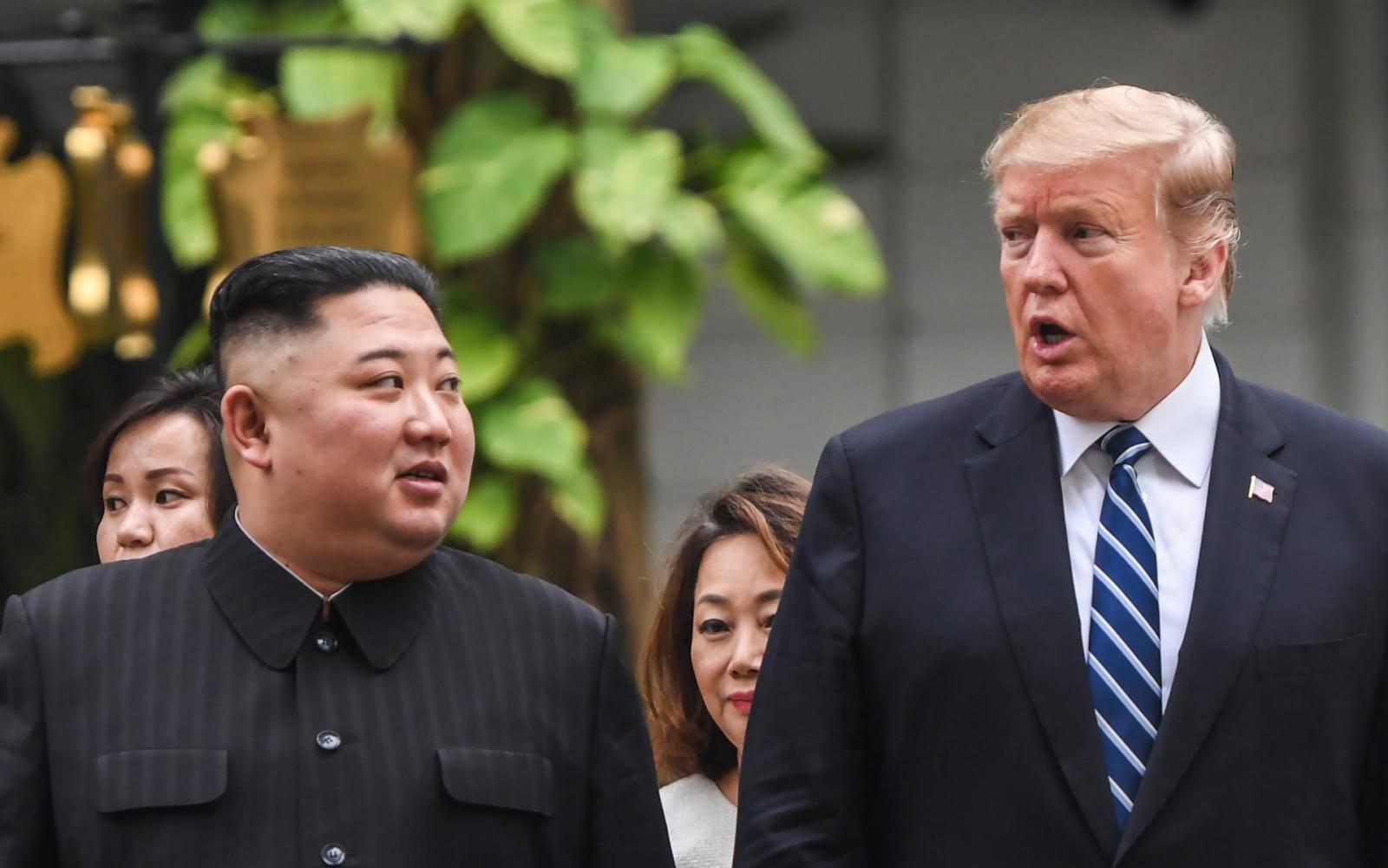 Index - Külföld - A demarkációs vonalon találkozik a két Korea vezetője