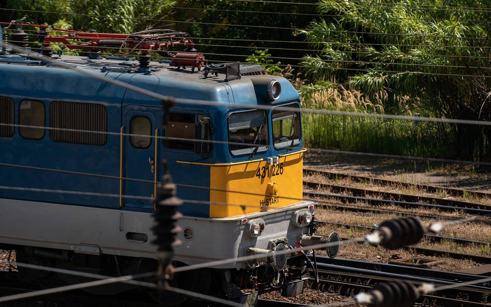 vonat látás online a látás szerepe a világ érzékelésében