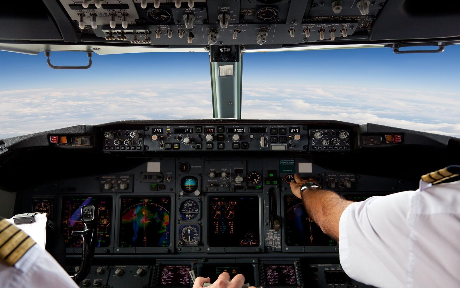 Pilóták felállítása. Itt vannak az első részletek a nemzetközi pilóta-akadémiáról