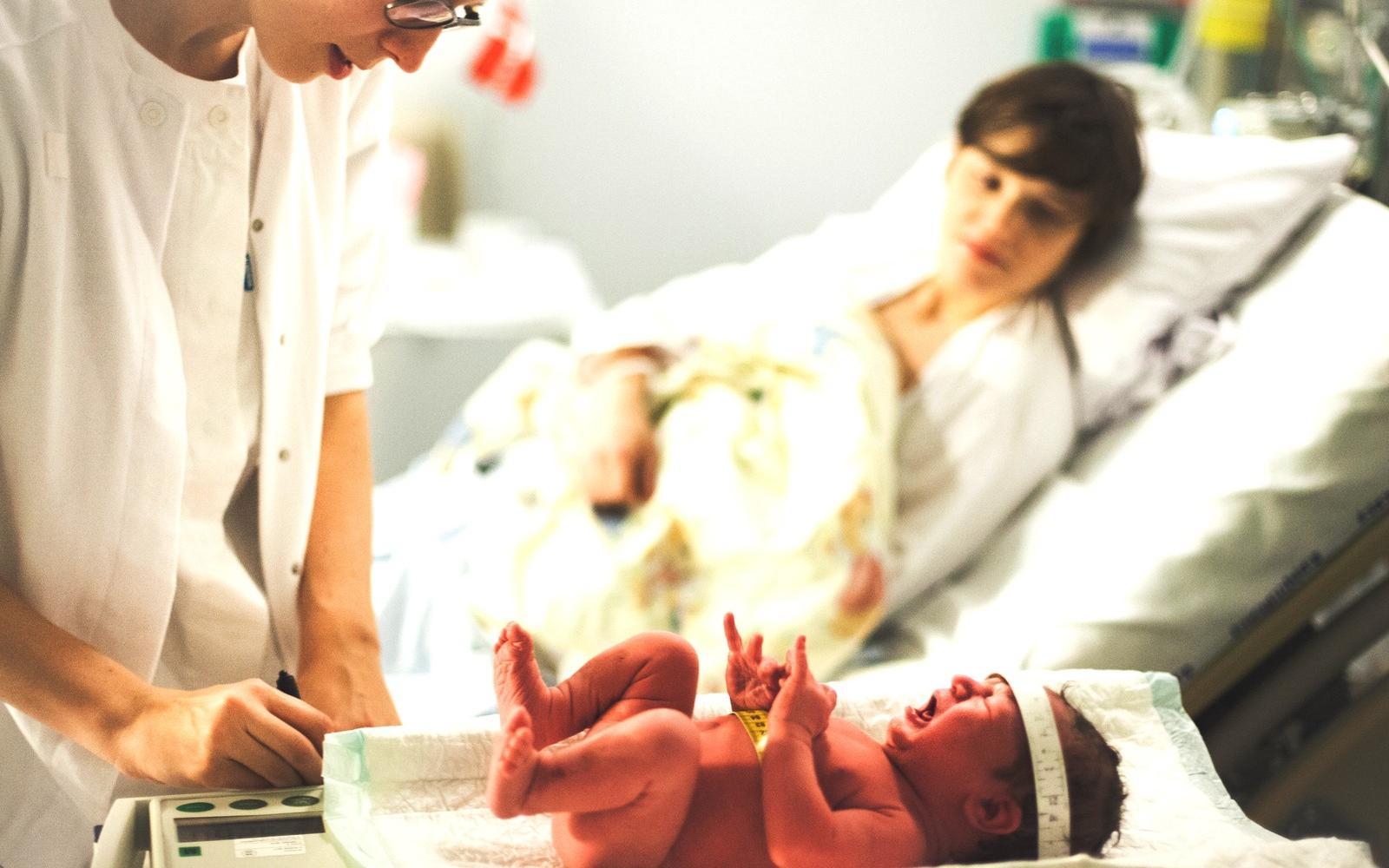 Szótár – Az orvosi diagnózisok pedagógiai szempontú értelmezése - Szülési kórház gyenge látása