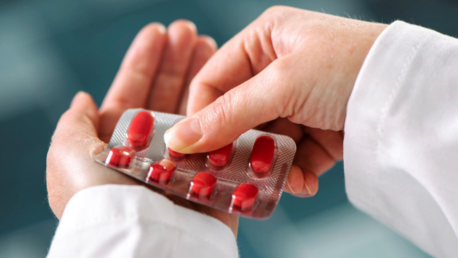 Milyen antibiotikum hatásosabb csont- és ízületi fertőzéseknél?