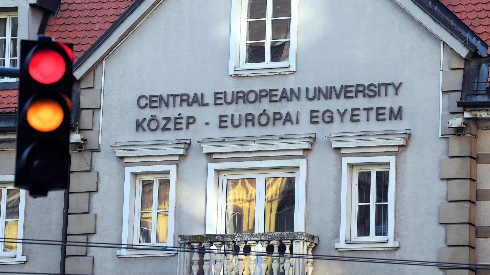 9c9d8e951764 Népszava Csak akkor vizsgálják a CEU-t, ha már elüldözték