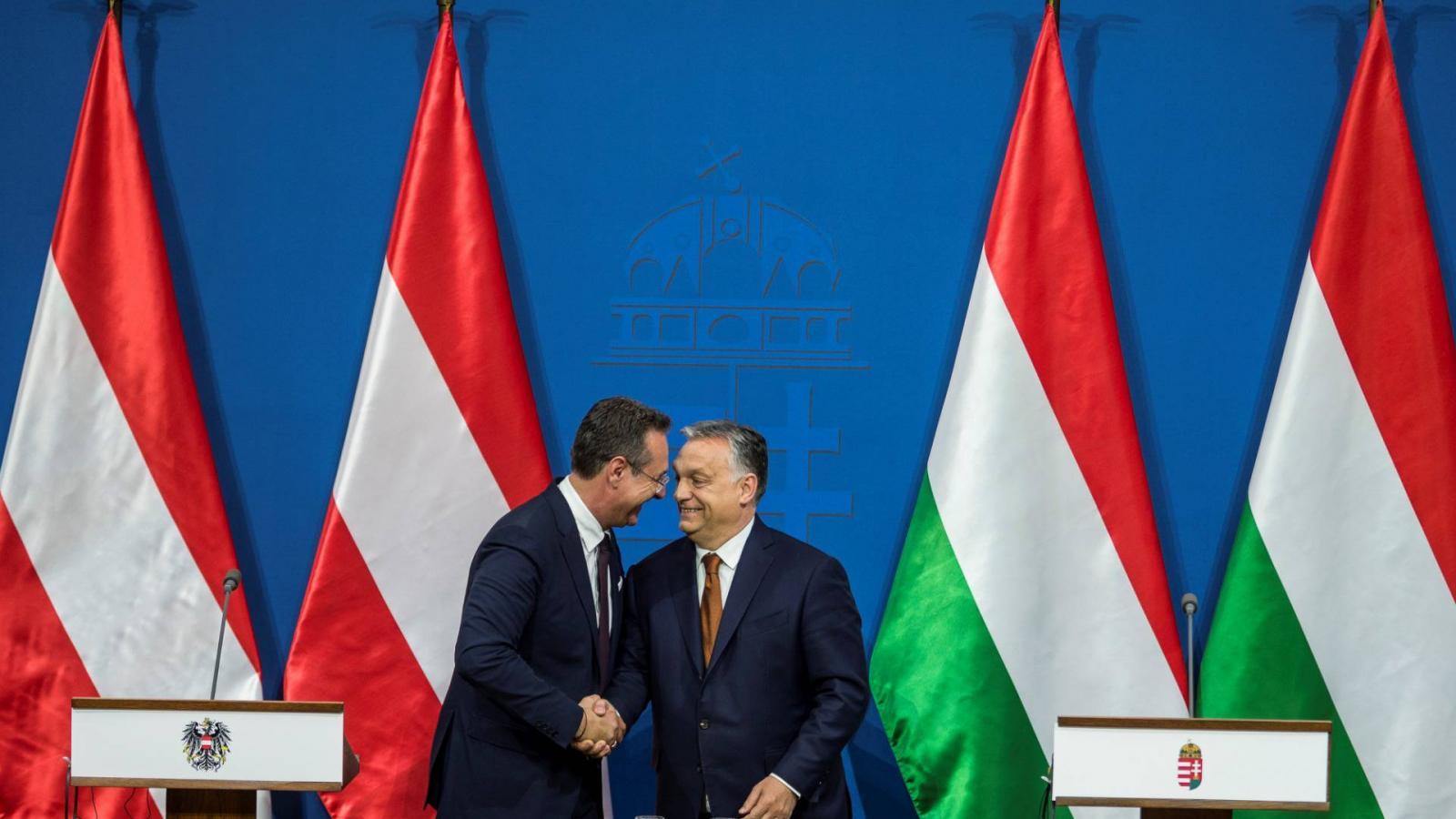 e0de67d773e7 Népszava Orbán kiutáltatja magát az Európai Néppártból