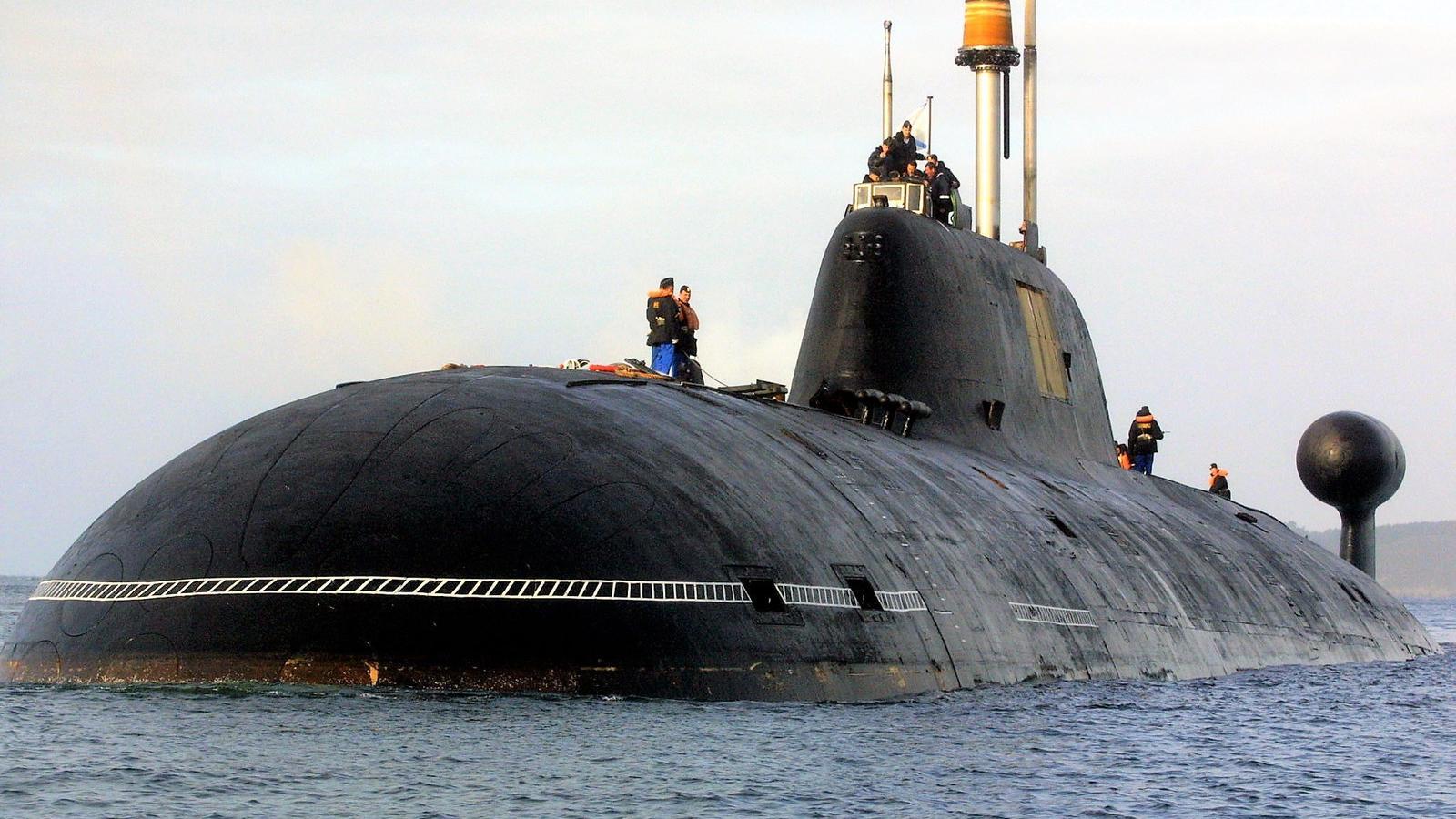 Népszava Heimer György  Hogyan lett csendes a szovjet Cápa  76cf82e47c