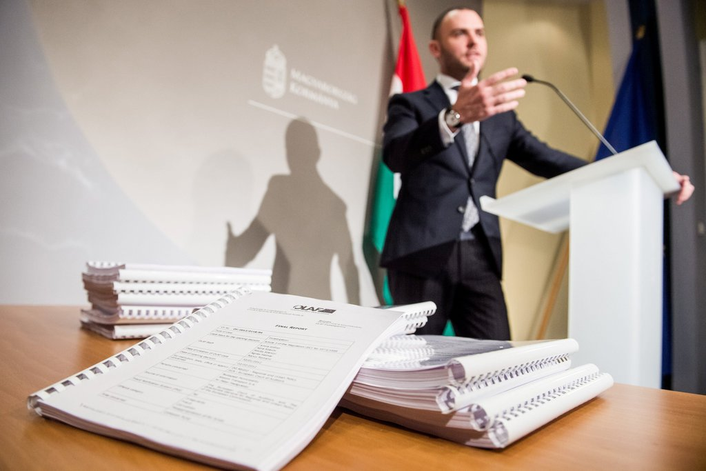 A csalás elleni hivatal azt javasolja, kérjék vissza a pénzt Orbán vejének volt cégétől