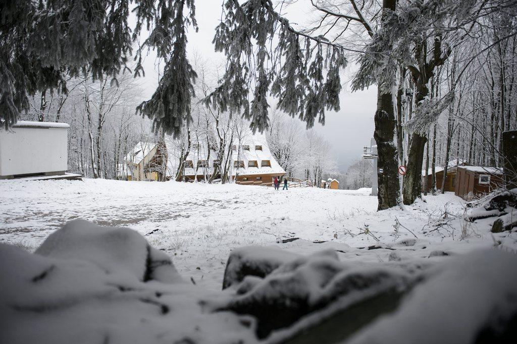 Kékestetőn reggel 3 centiméteres hóvastagságot mértek. MTI Fotó: Komka Péter